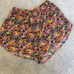 Streetwear Loose fit floral elastic waist shorts